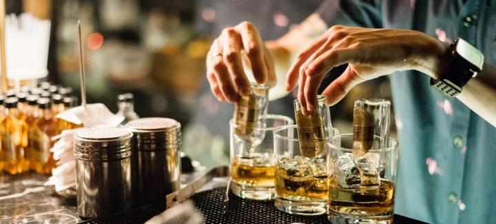 uncle-cocktail-bar-bangkok.jpg